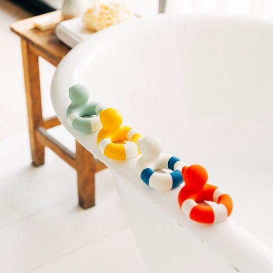 Mordedor Eco de caucho - Floatie Duck - (variedad colores)