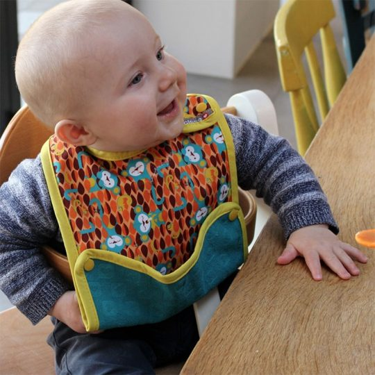 Babero con bolsillo Pop In impermeable - varios modelos -