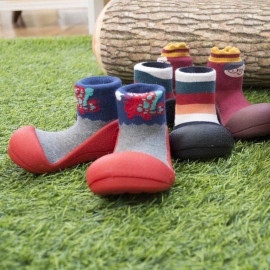 Calzado de suela blanda Attipas - varios modelos y tallas -